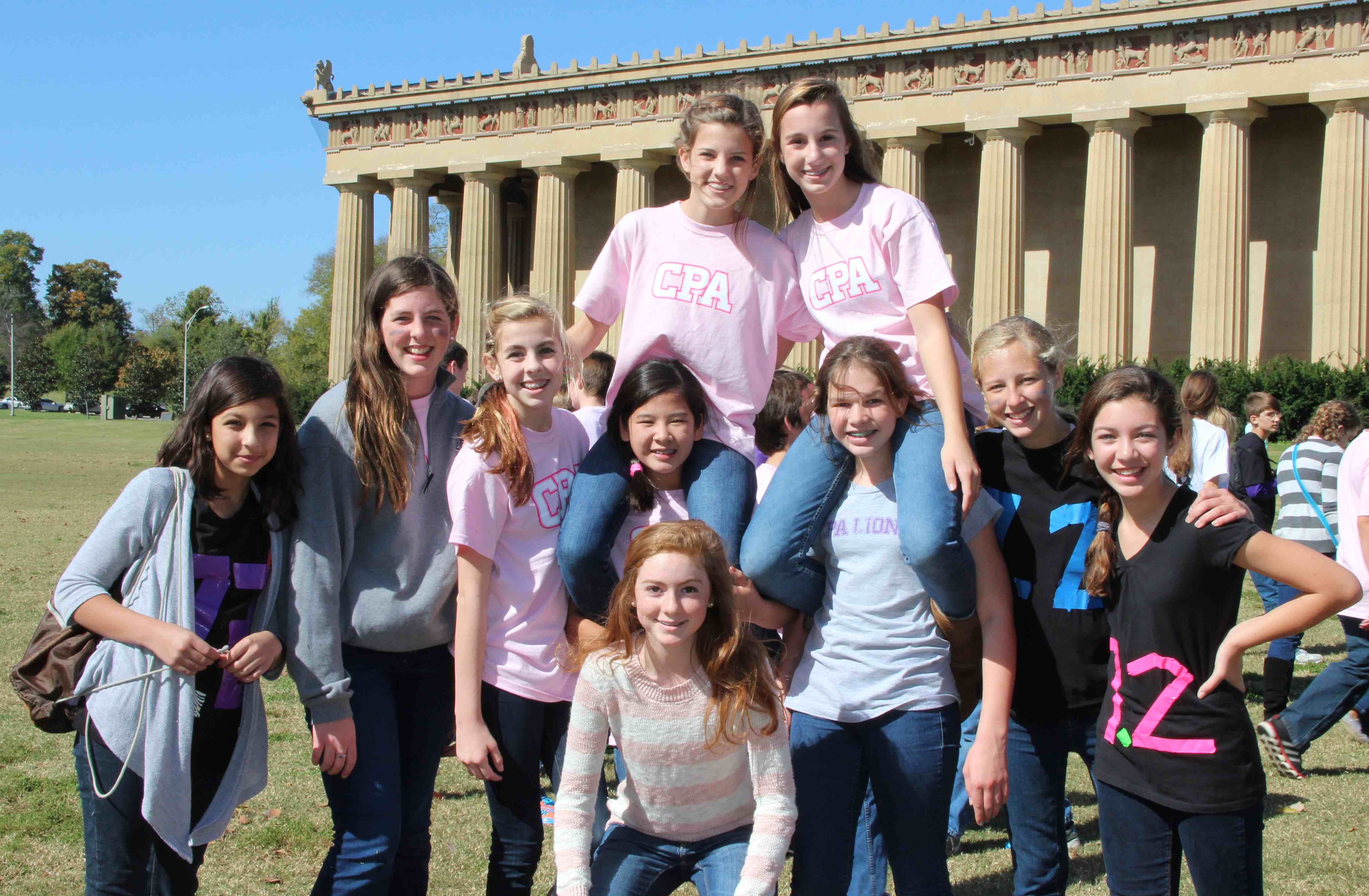 Parthenon: girls in front of parthenon